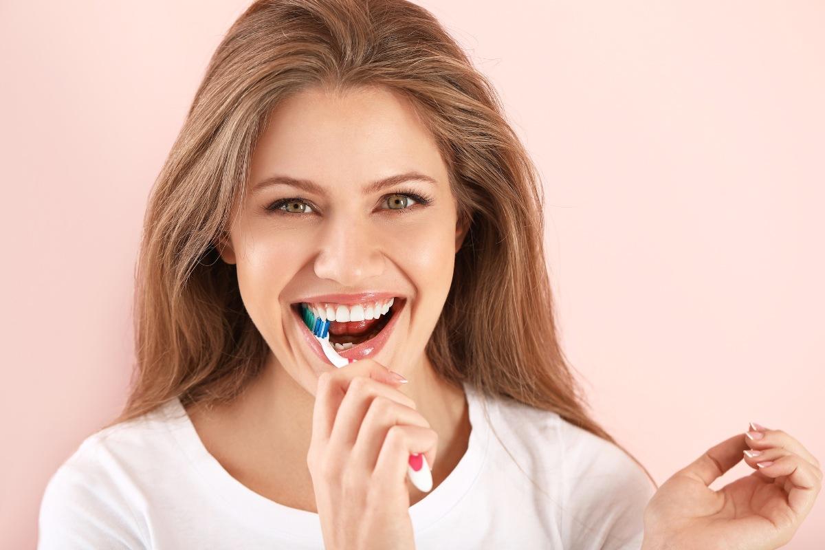 3 Ways to Whiten Teeth